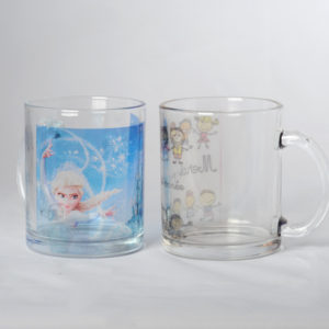 Tasse transparente en verre